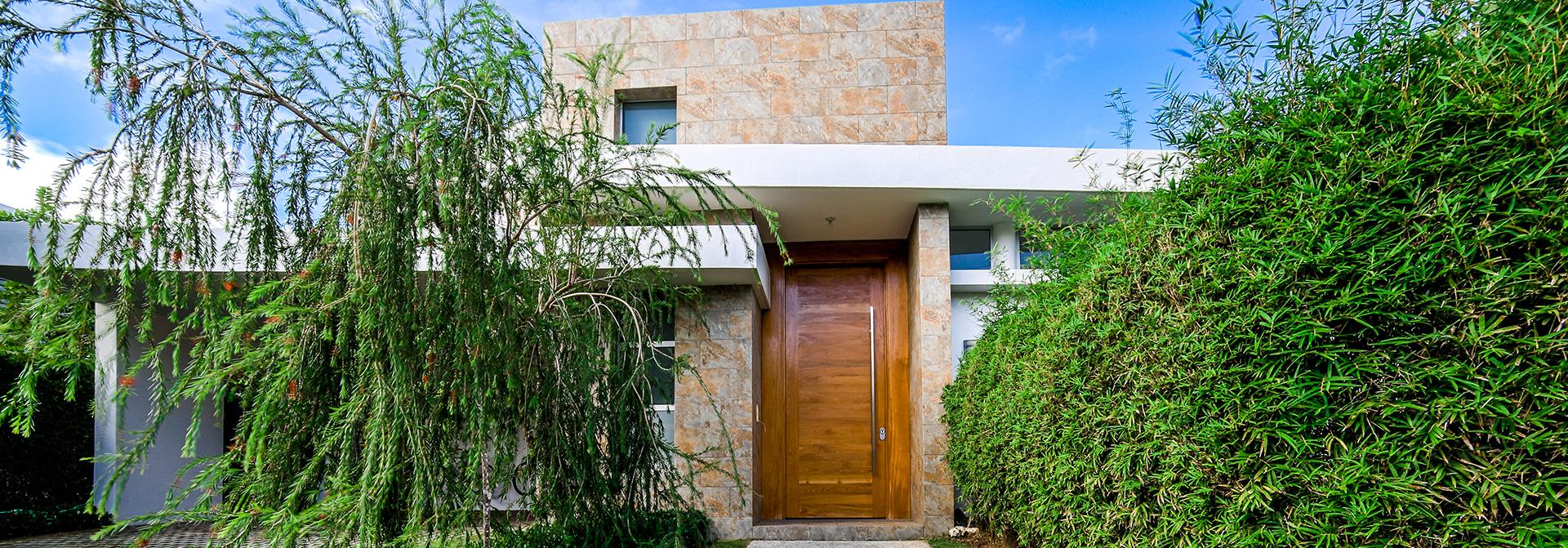 Homes & Homesites